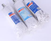 教孩子怎样使用棉布拖把